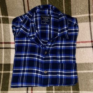 Abercrombie plaid shirt, small, worn once! Cute!!